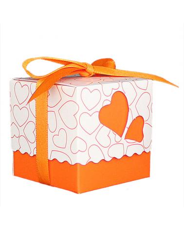 Малка кутийка за подарък, оранжев цвят