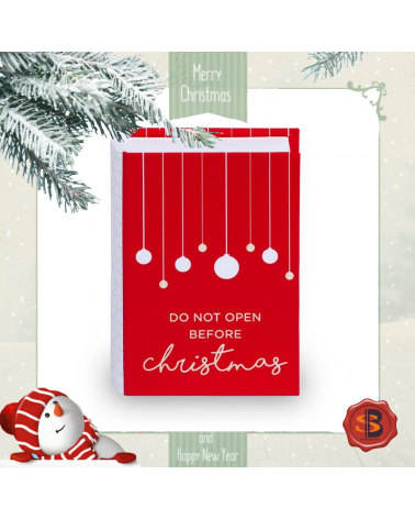 Коледен комплект Do Not Open в кутийка с картичка и колие книжка