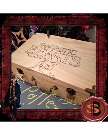 Дървена кутия куфар с книга и аксесоари Фантастичните животни