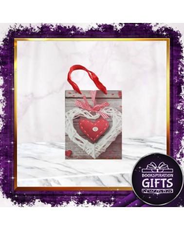 Малка хартиена торбичка сърце