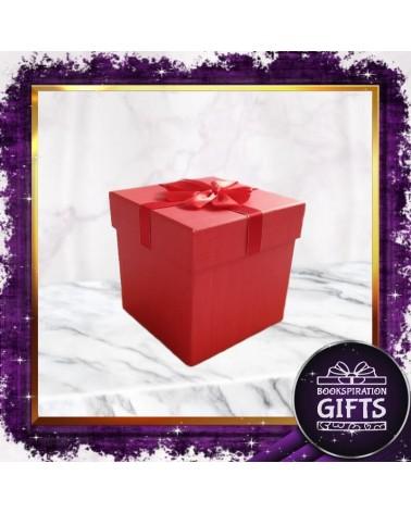 Червена подаръчна кутия