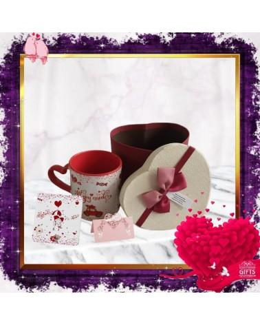 Комплект чаша с подложка All you need is love в кутия сърце